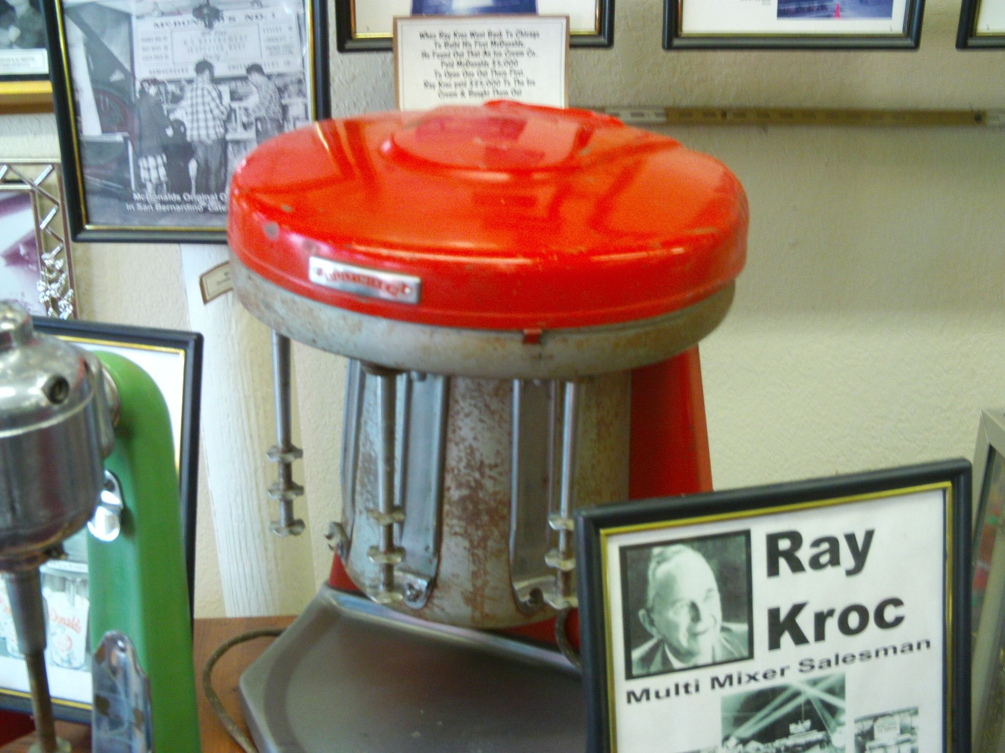Un multi-mixer originale venduto dai Ray Kroc ai fratelli Mc Donald.